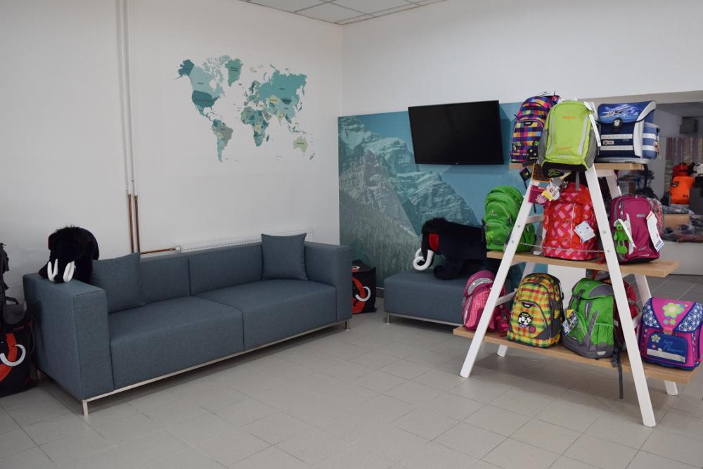 Odpočinkový koutek v prodejně Bagalio