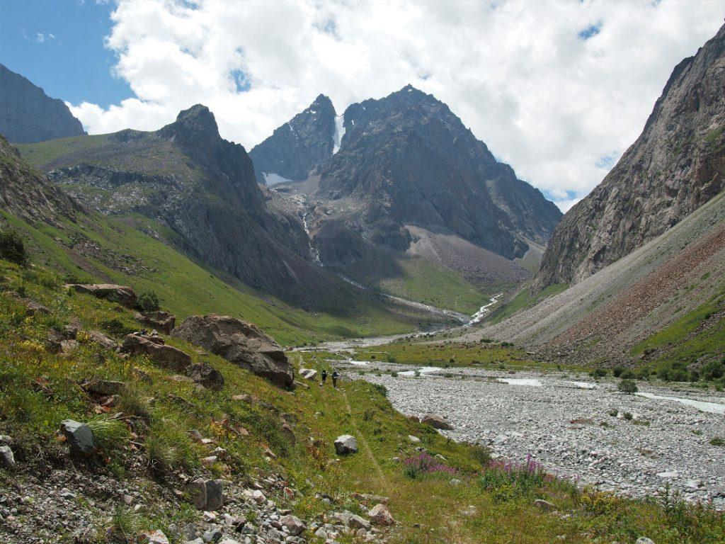 Kyrgyzstán - Rudé kaňony Kok Moynok