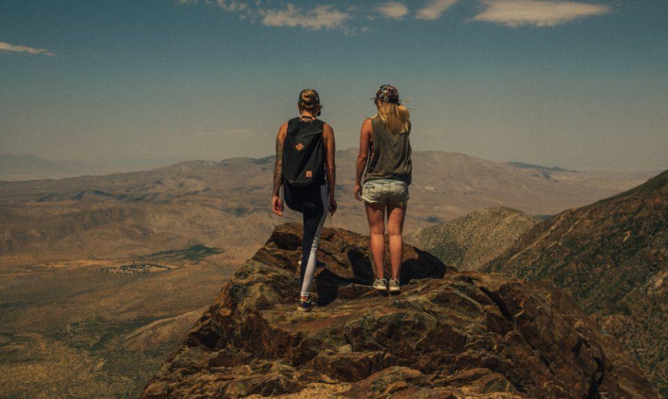 Cestování ve dvou může být větší zábava.