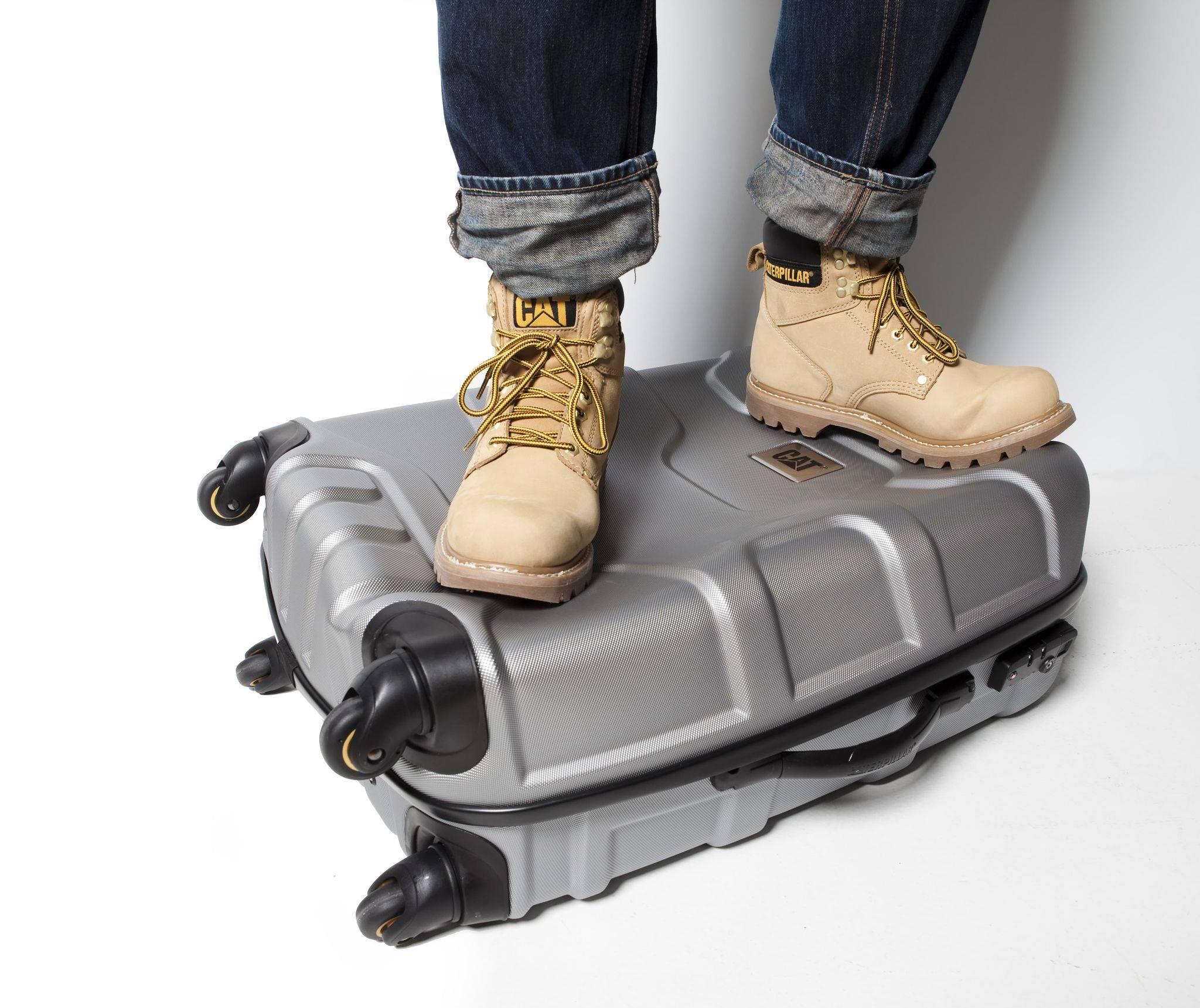 f14cd31893b Dopřejte si kvalitu a nadčasovost s kufry a batohy CAT