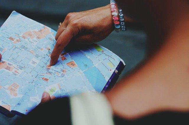 Papirova mapa do batohu.